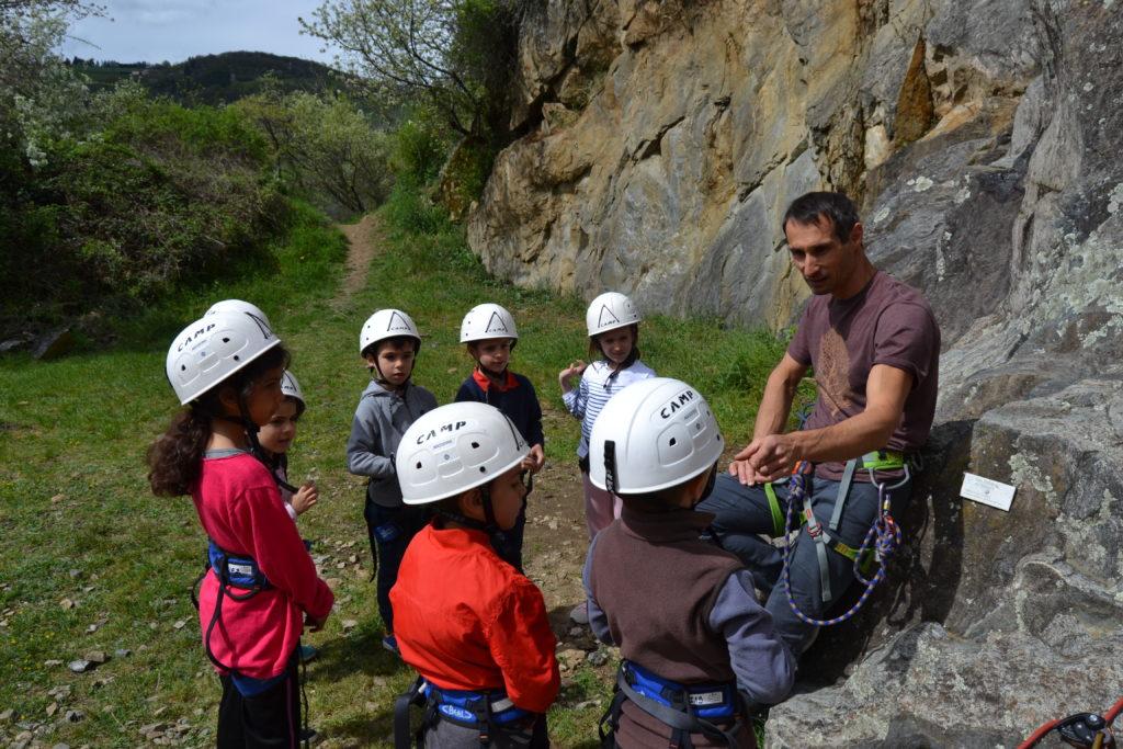 cours escalade proche de lyon dans les Monts du Lyonnais (69) Rhone