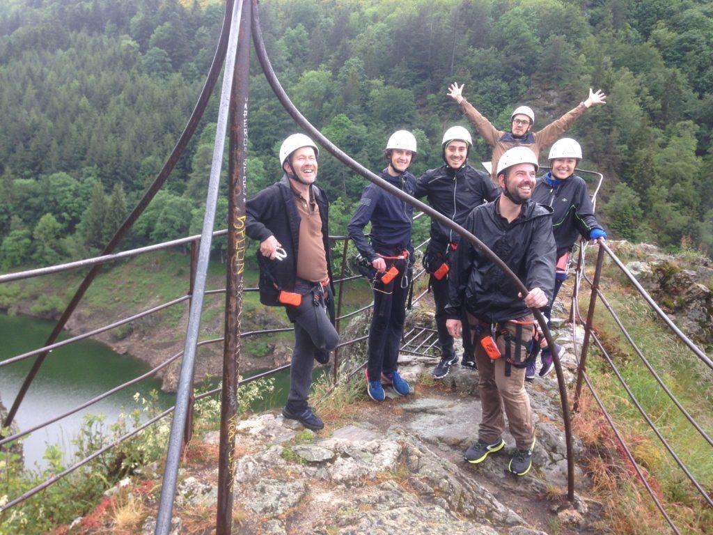 Groupe d'une Comité d'entreprise sur la Via Ferrata émotion à Lyon (69) avec Vertical Sensation